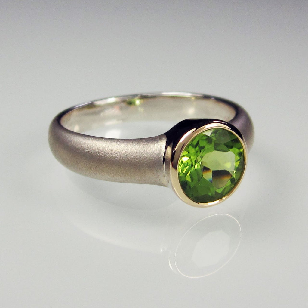 Orah London Gold Aphrodite ring with Peridot