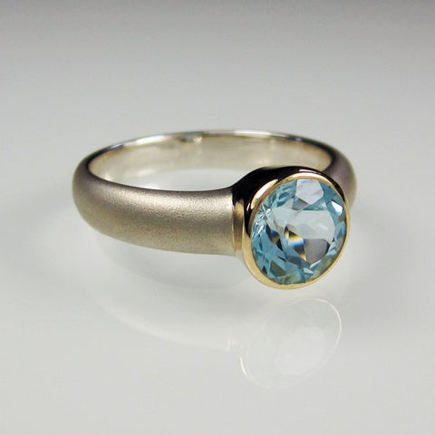 Aphrodite Gold with Topaz