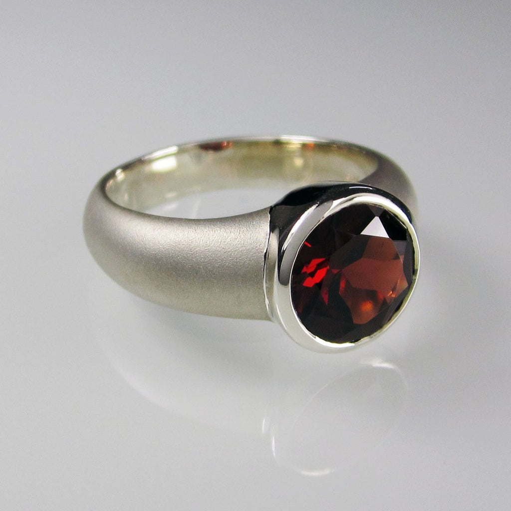 Orah London Silver Aphrodite ring with Garnet