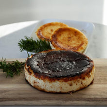 Load image into Gallery viewer, Mini basque burnt cheesecake
