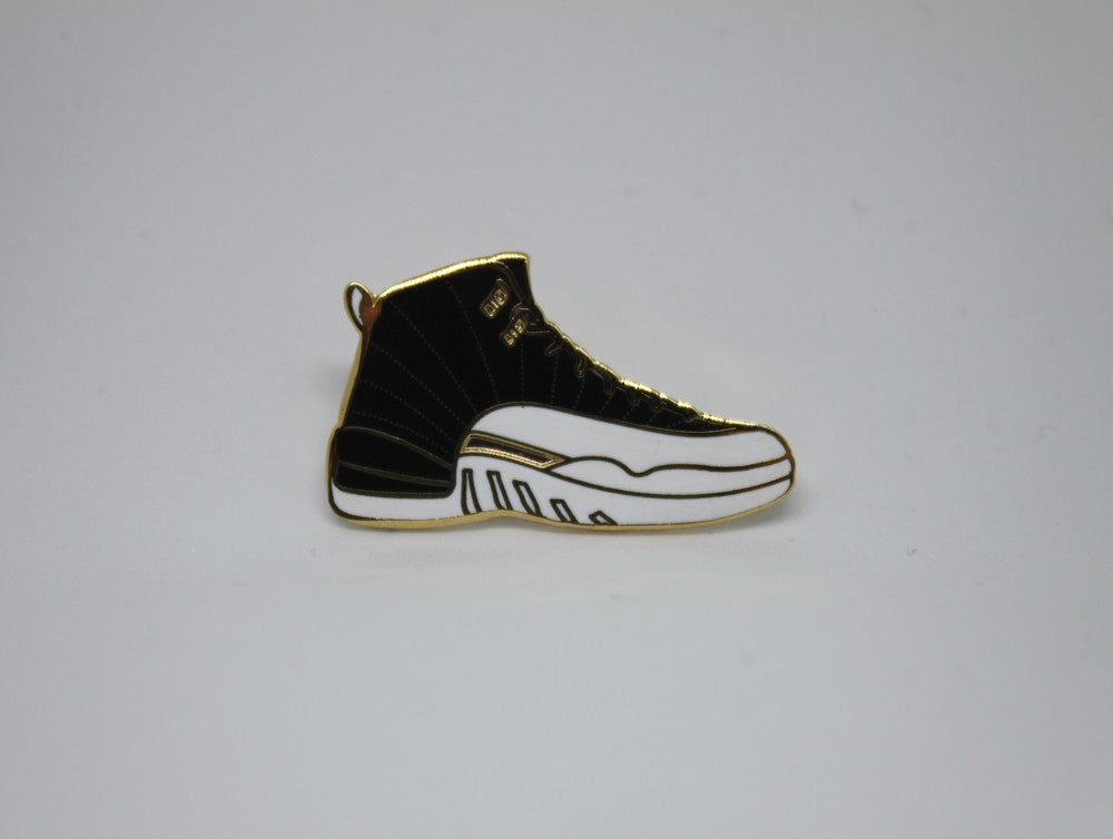 WINGS 12 Sneaker Pin