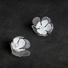 Load image into Gallery viewer, Clear and white double flower ear pins