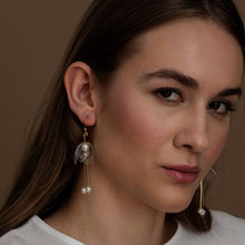 Load image into Gallery viewer, Elegant dainty clear double-lily drop earrings