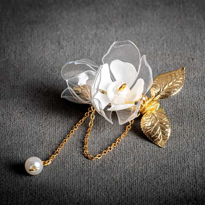 upcycled-clear-white-flowers-drop-brooch-pin-with-golden-leaves-jewelry