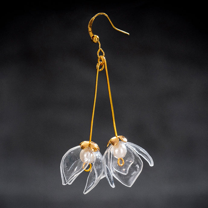 upcycled-elegant-clear-flowers-drop-earrings