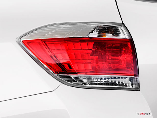 Toyota Highlander 2012 Tail Light