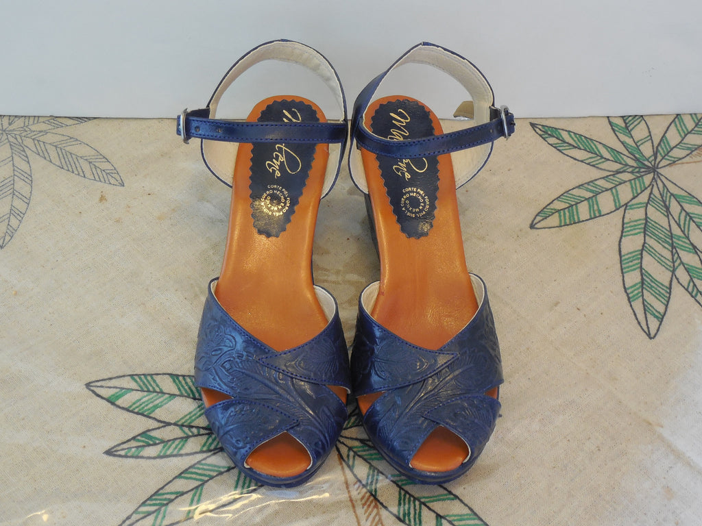 NEW COLORS! VTG STYLE MEXICAN TOOLED LEATHER SHOES WEDGE SANDALS IN BLUE & GREEN