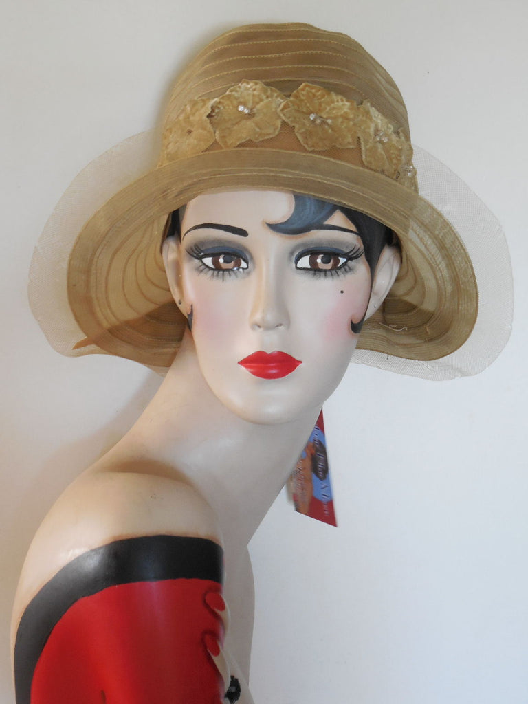 Vintage 1920 Large Brim Cloche