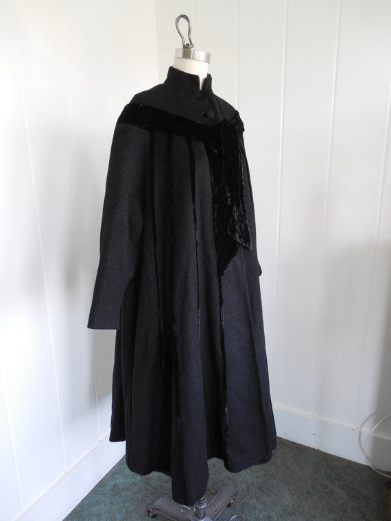 SOLD! 1950's Vintage Black Mohair Wool Silk Velvet Full Swing Coat Very Lilli Ann