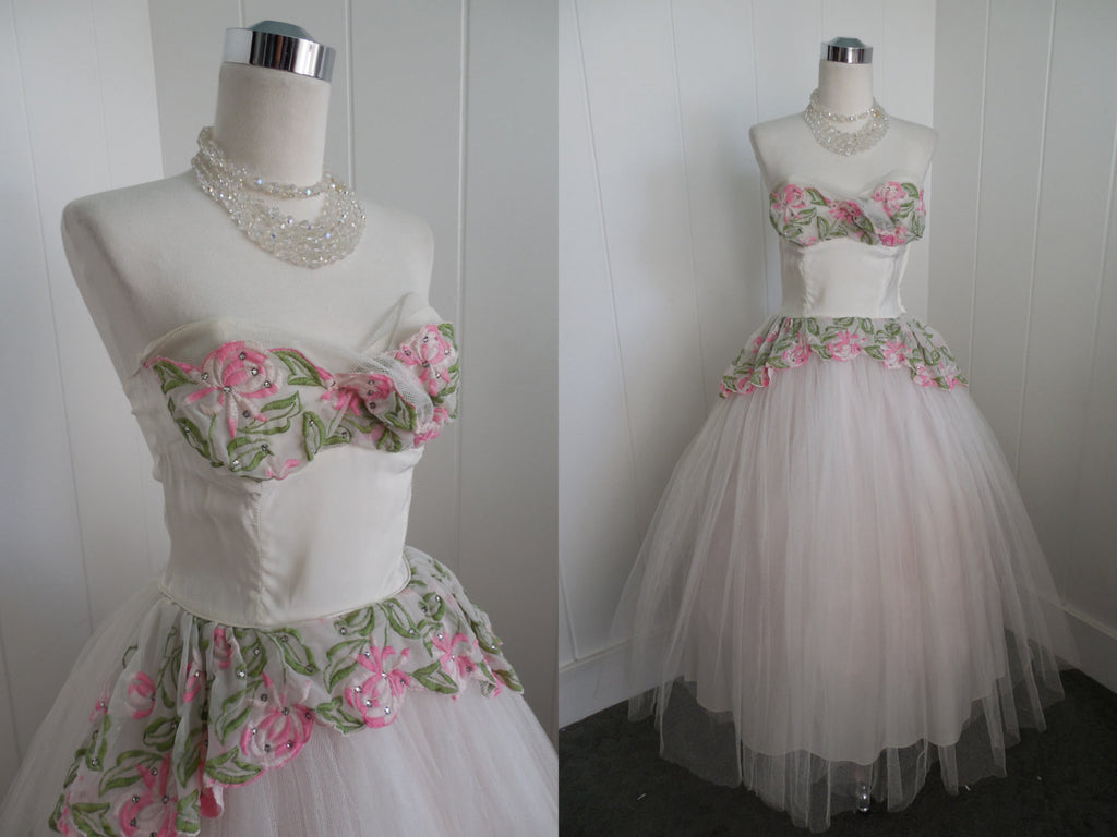 Sold 1950s Vintage White Tulle Shelf Bust Prom Dress With Pink