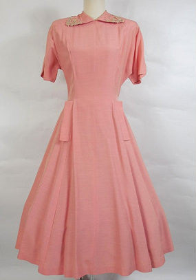1950's Vintage Pink Day Dress with Daisy Collar
