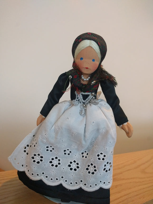 Lotte Sievers Hahn Hand Carved Trachten Doll
