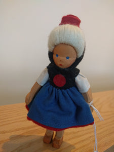 Lotte Sievers Hahn Hand Carved Trachten Doll 2