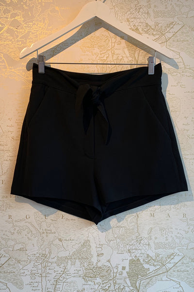 'Kerry' High Waisted Tie Front Shorts
