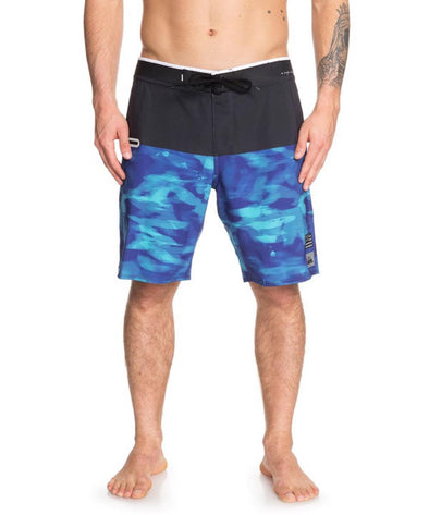 "Quiksilver Mens Highline Blackout Hawaii 20"" Boardshorts - The Smooth Shop"