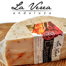 Load image in gallery viewer,GOURMET Gift Box. (PACK C:ARTISAN CHEESES WITH SPICES and ECO EVOO Bottle) - La Verea Andaluza. Artisan cheeses and olive oil looks ECOLOGICAL, 100% Arbosana Monovarietal. Christmas basket.
