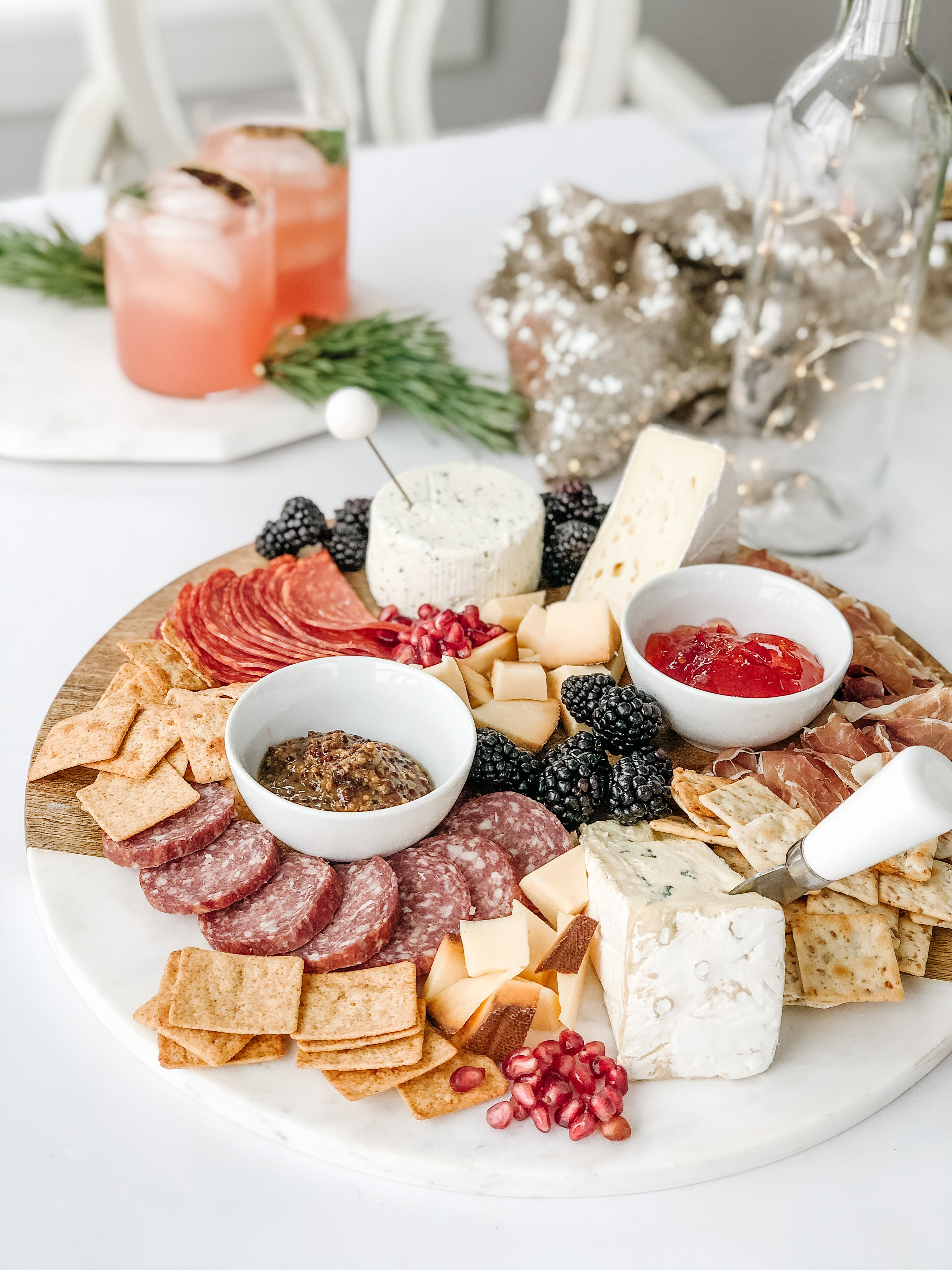 how to make a charcuterie board for the holidays