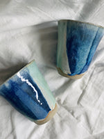 Load image into Gallery viewer, Daisy cooper ceramics tumbler.
