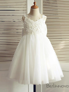 A-Line Backless Tulle White Flower Girl Dresses with Bow