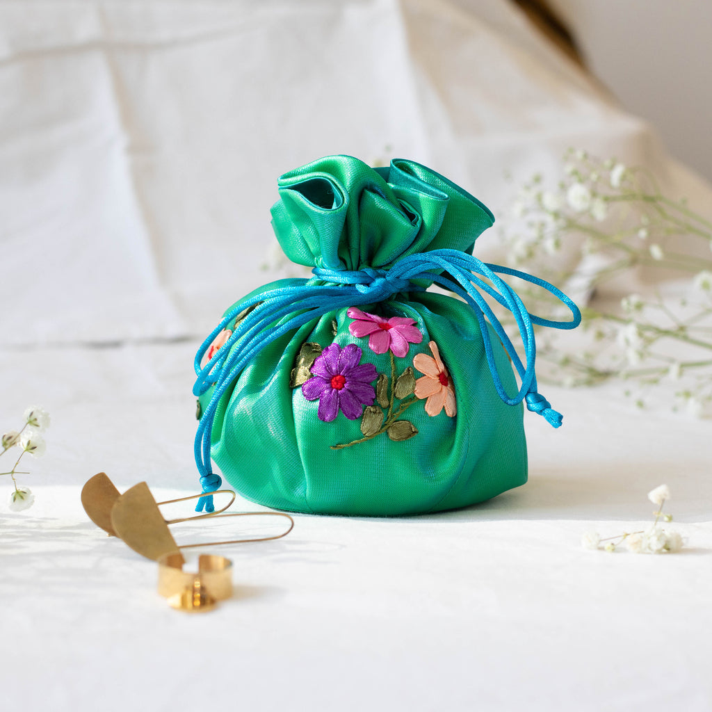 Jewelry pouches (ribbon embroidery)