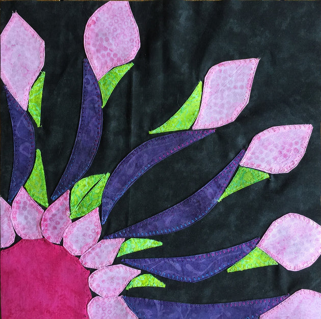 African Daisy applique finished example by Sonya Fetch