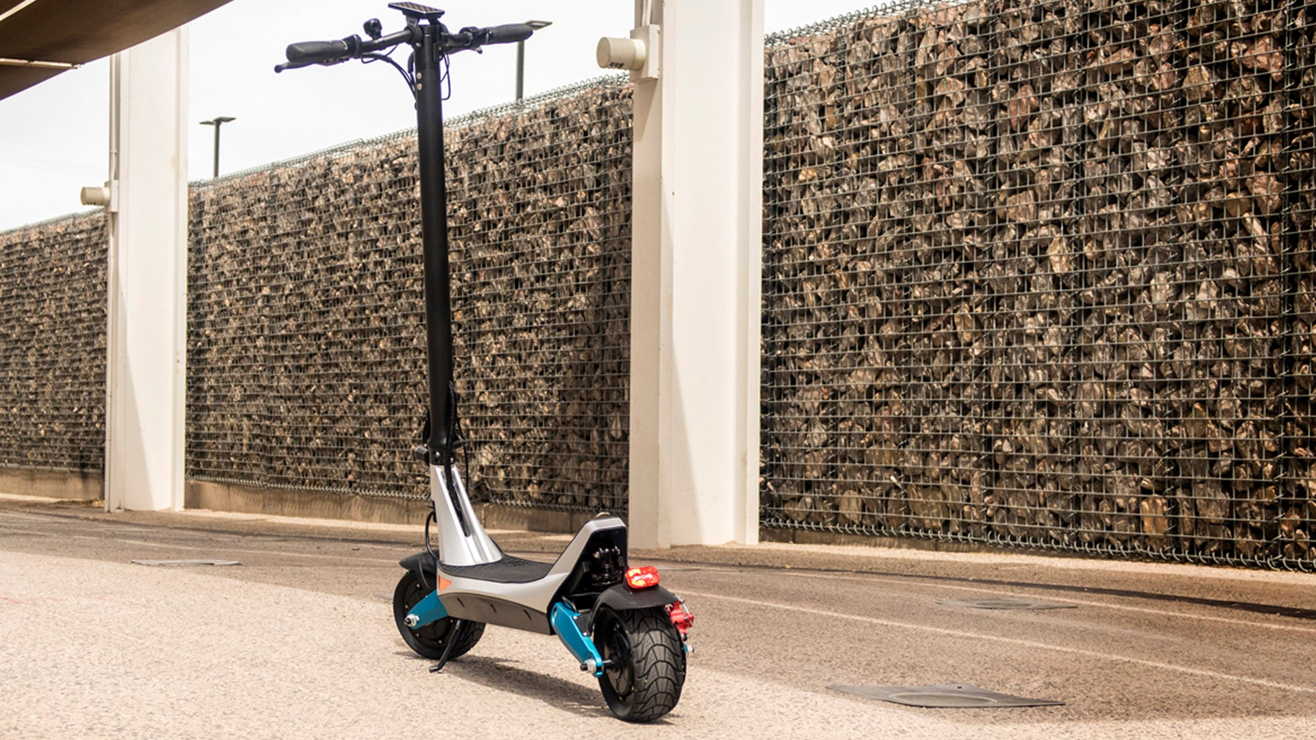 Solid Tire electric scooter for commuting