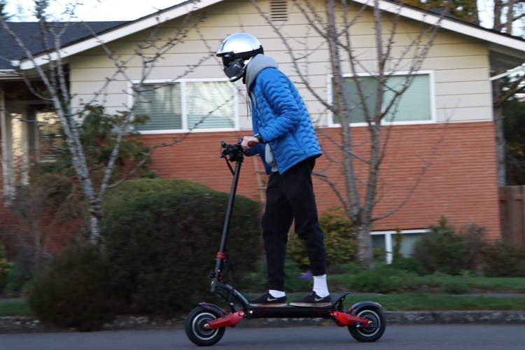 varla-electric-scooter-adult-riding
