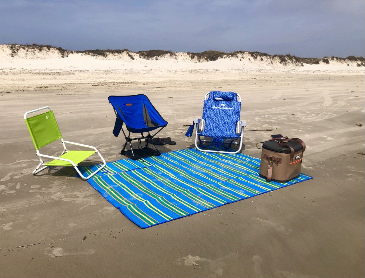 backpacking beach chairs on beach