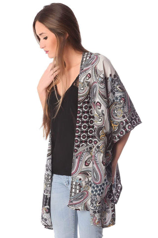 Q2 Women's Fashion - Women's Clothing - Jackets & Coats - Jackets Gray Paisley Printed Kimono - Imported from Europe