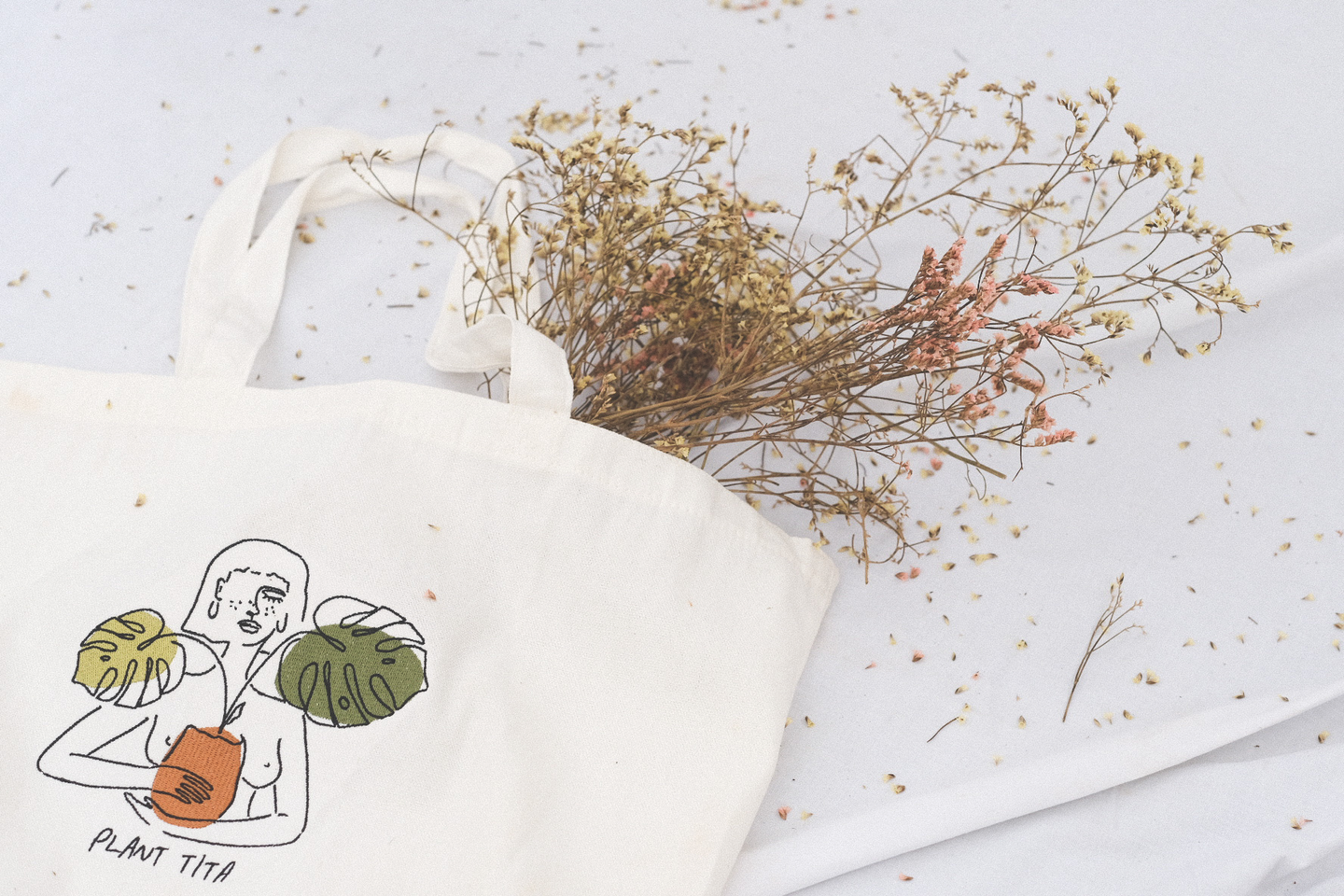 Embroidered Plant Tita Tote