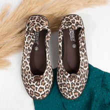 Load image into Gallery viewer, ARCOPEDICO L14 Ballet Flat Leopard