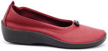 Load image into Gallery viewer, ARCOPEDICO L1 Ballet Flat Cherry