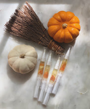 Load image into Gallery viewer, Cuticle Oil Pen (Pumpkin Spice) Limited edition