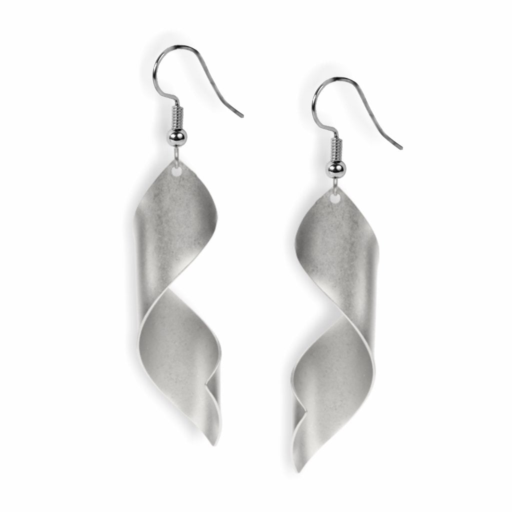 man-ray-lampshade-earrings-silver-photo
