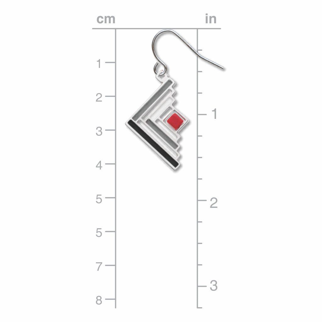 log-cabin-quilt-pattern-red-bead-grey-accent-black-accent-earrings-photo-3