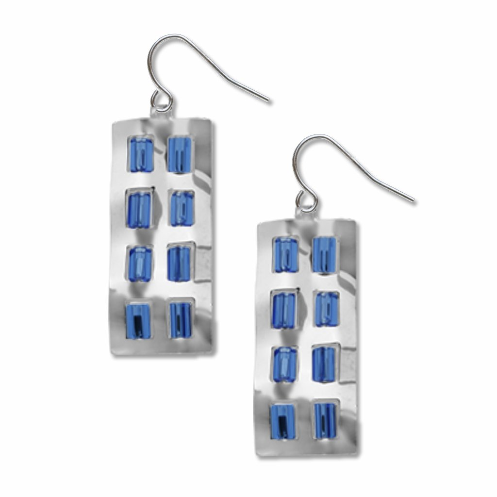 crumpled-facade-sapphire-beads-earrings-photo