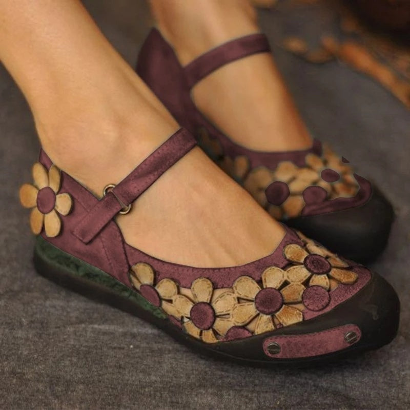 2019 New Handmade Vintage Backless Leather Sandals Woman Comfortable Soft Bottom Flat Shoes Hollow Out Retro Flower Round Toe Ladies Shoes Plus Size