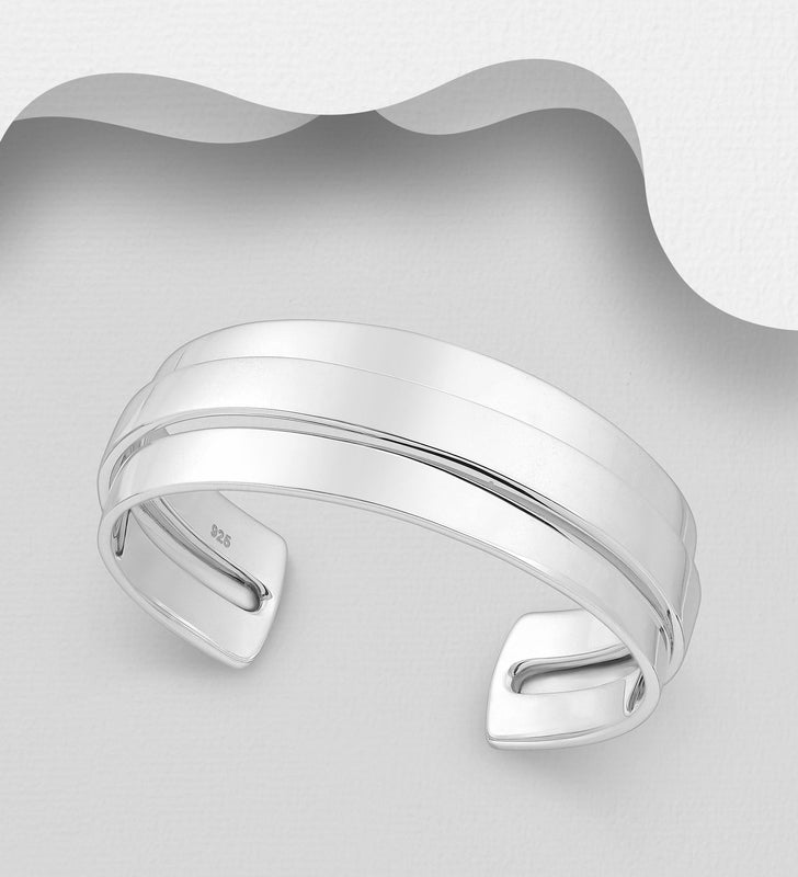 925 Sterling Silver Hand Crafted Solid Cuff Bangle - The Silver Vault UK