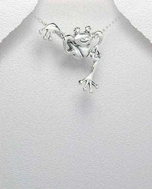 925 Sterling Silver Funny  Frog Pendant & Chain - The Silver Vault UK