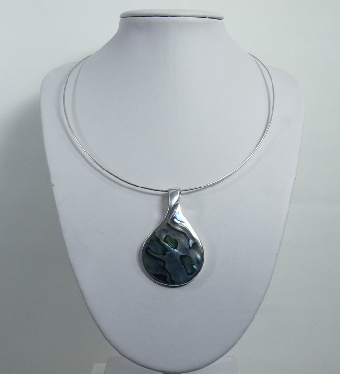 925 Sterling Silver Hand Crafted Stone Set Abalone Shell Pendant & Chain - The Silver Vault UK