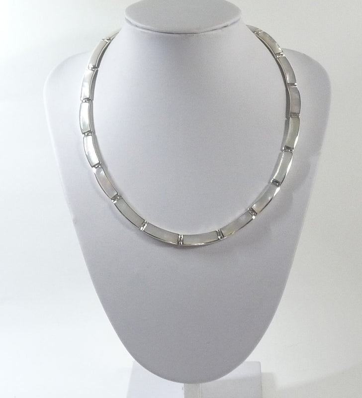 925 Solid Sterling Silver Hand Crafted Necklace, Set With Mother of Pearl Shell - The Silver Vault UK