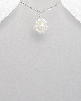 925 Sterling Silver flower Pendant & Chain Set With a Freshwater Pearl - The Silver Vault UK