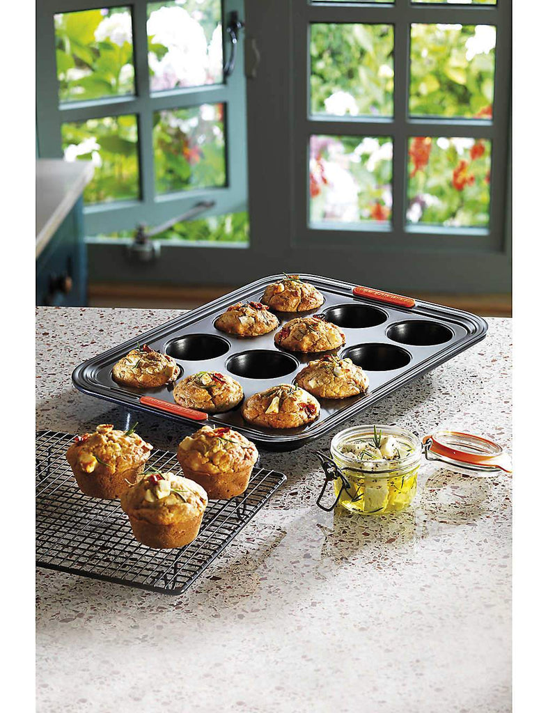 LE CREUSET Non-Stick 12-Cup Muffin Tray - 1000FUN