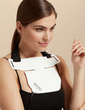 將圖片載入圖庫檢視器 THE LIGHT SALON BOOST LED Décolletage Bib