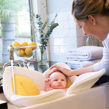 Load image into Gallery viewer, Blossoming Baby Bathtub Mat