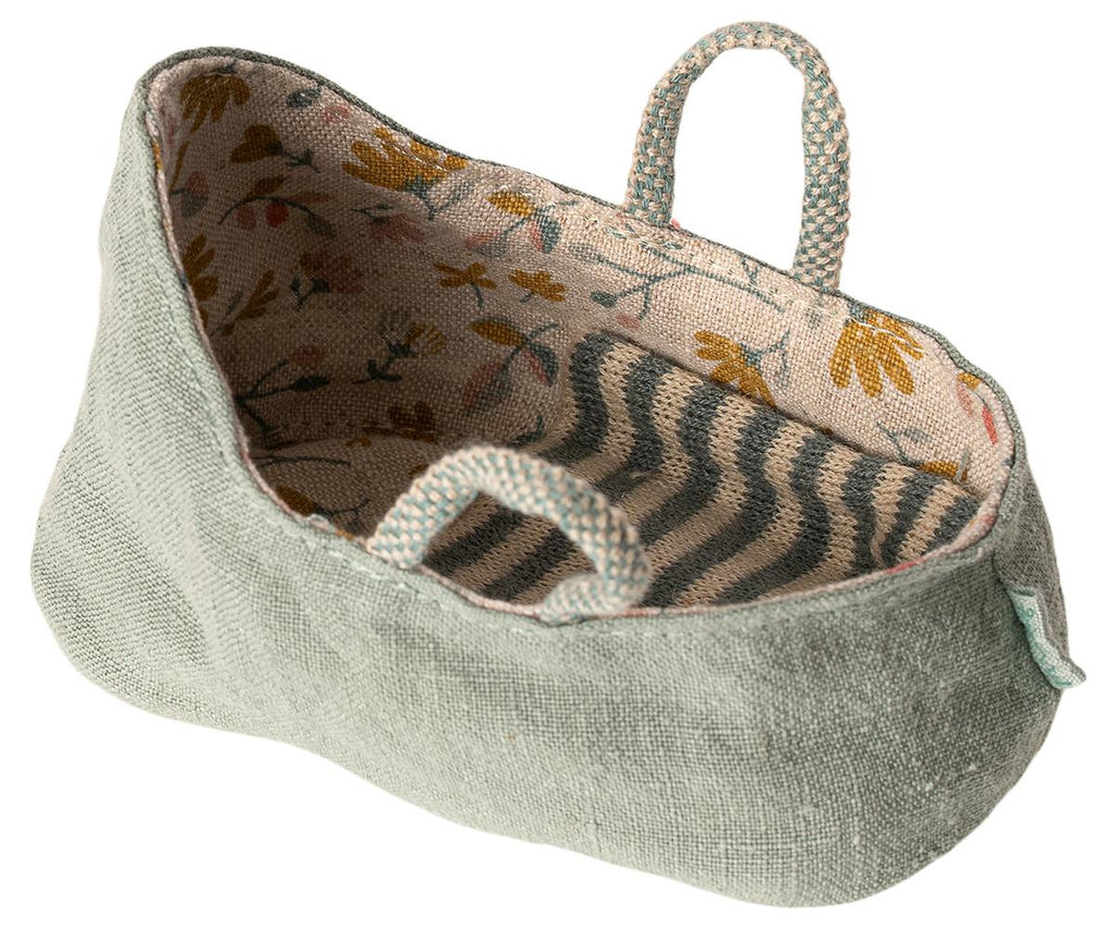 Maileg Draagmandje Carry Cot Dusty Green