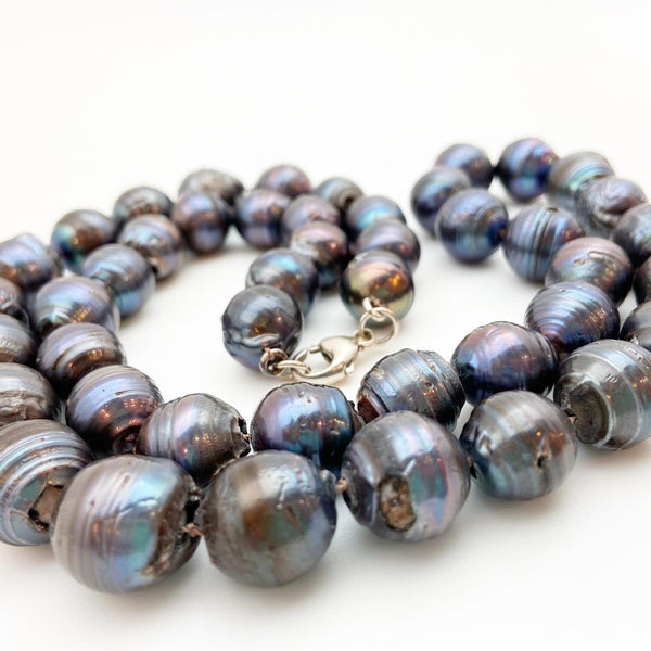 Necklace - Handknotted Dark Pearl - 29""
