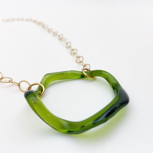 Necklace - Wavy Glass - Large Circle