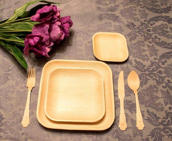 square palm leaf plate setting