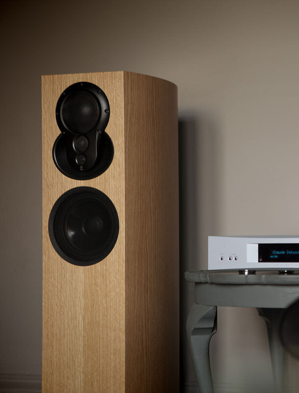 LINN Akubarik Exakt with Katalyst oak